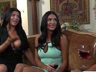 Brunette lesbians fingering pussy